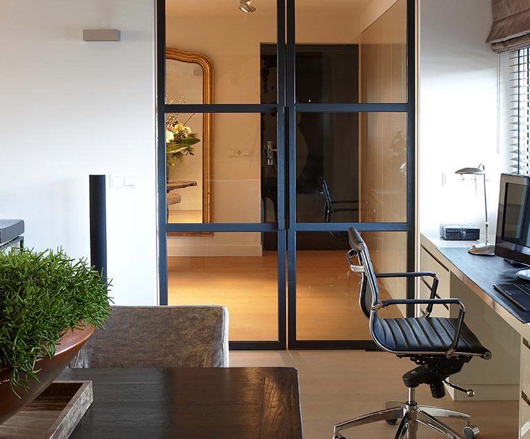 Contrastrijk penthouse u erik koijen interieurarchitectuur